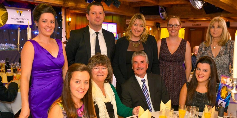 Eleri Lewis (Canta), Ffion Wyn James (Canta), Heather Davies (Antur Teifi) Aled Davies (Telemat) gyda Mari Slaymker yn Noson Wobryo Arwyr Lleol Radio Ceredigion.